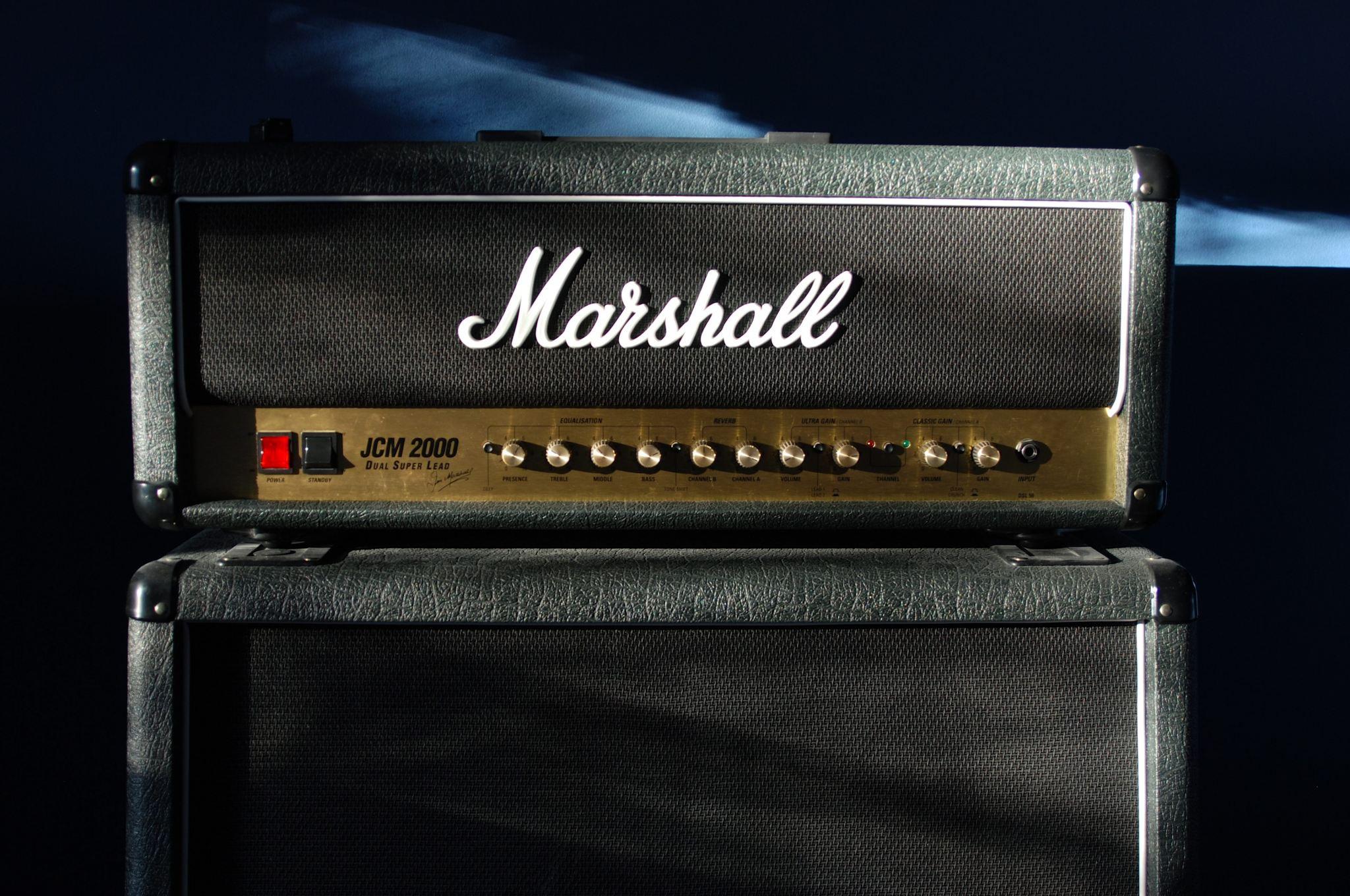 Marshall JCM2000 100 watt amp